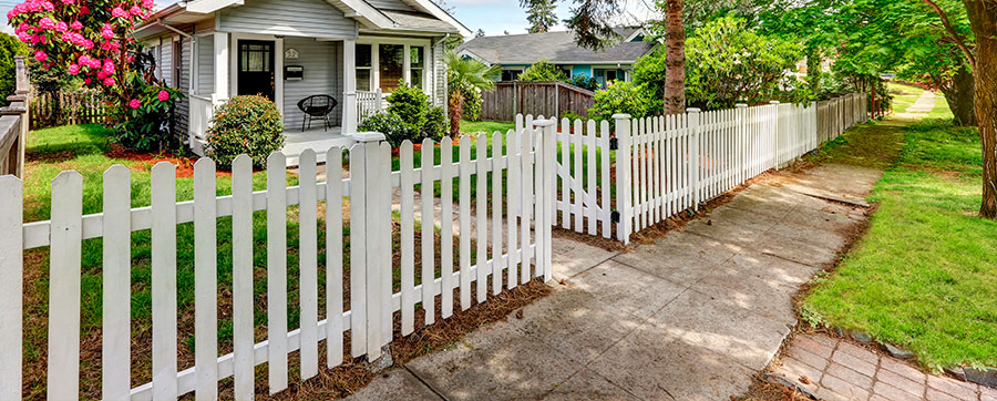 Fence Contractor in Bellevue WA—Saltos Landscaping LLC
