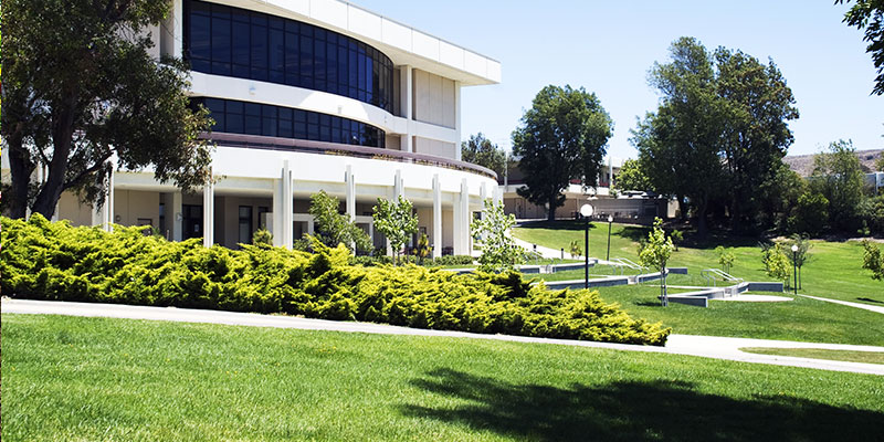COMMERCIAL & RESIDENTIAL LANDSCAPING SERVICE