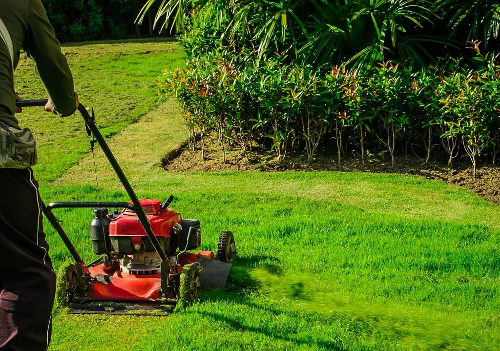 How to Make Lawn Mowing Patterns